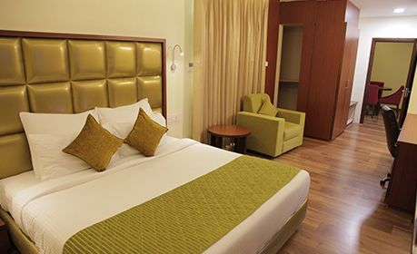 Honey Moon Suite or Sweet spacious room, in room dinning, best for Couples and childrens, family friendly hotel.